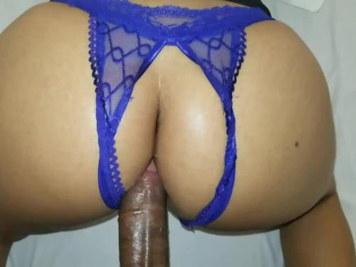 Sexo anal,a night full of desires a great deal of passion i feel sexy and i see my stepfather and he takes me into a resort and fulfills my sexual fantasy and then he offers me his smoke